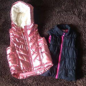 Girls (5) vests (2)